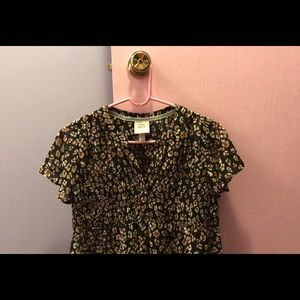 NWT Knox Rose Blouse! Size XS (fits more like a S)